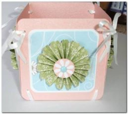 Скрапбукинг - коробочка с помощью лент